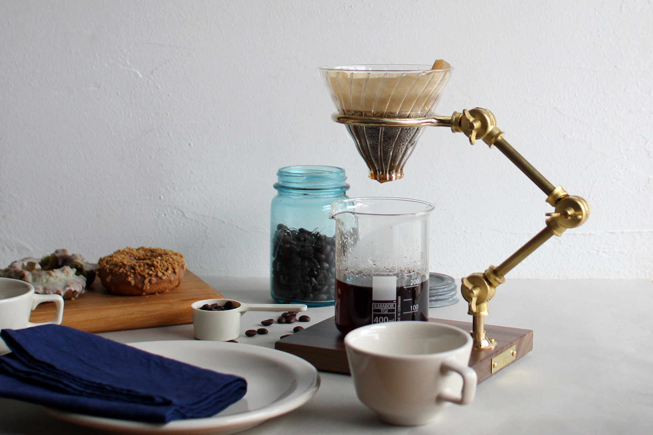 Curator pour over stand