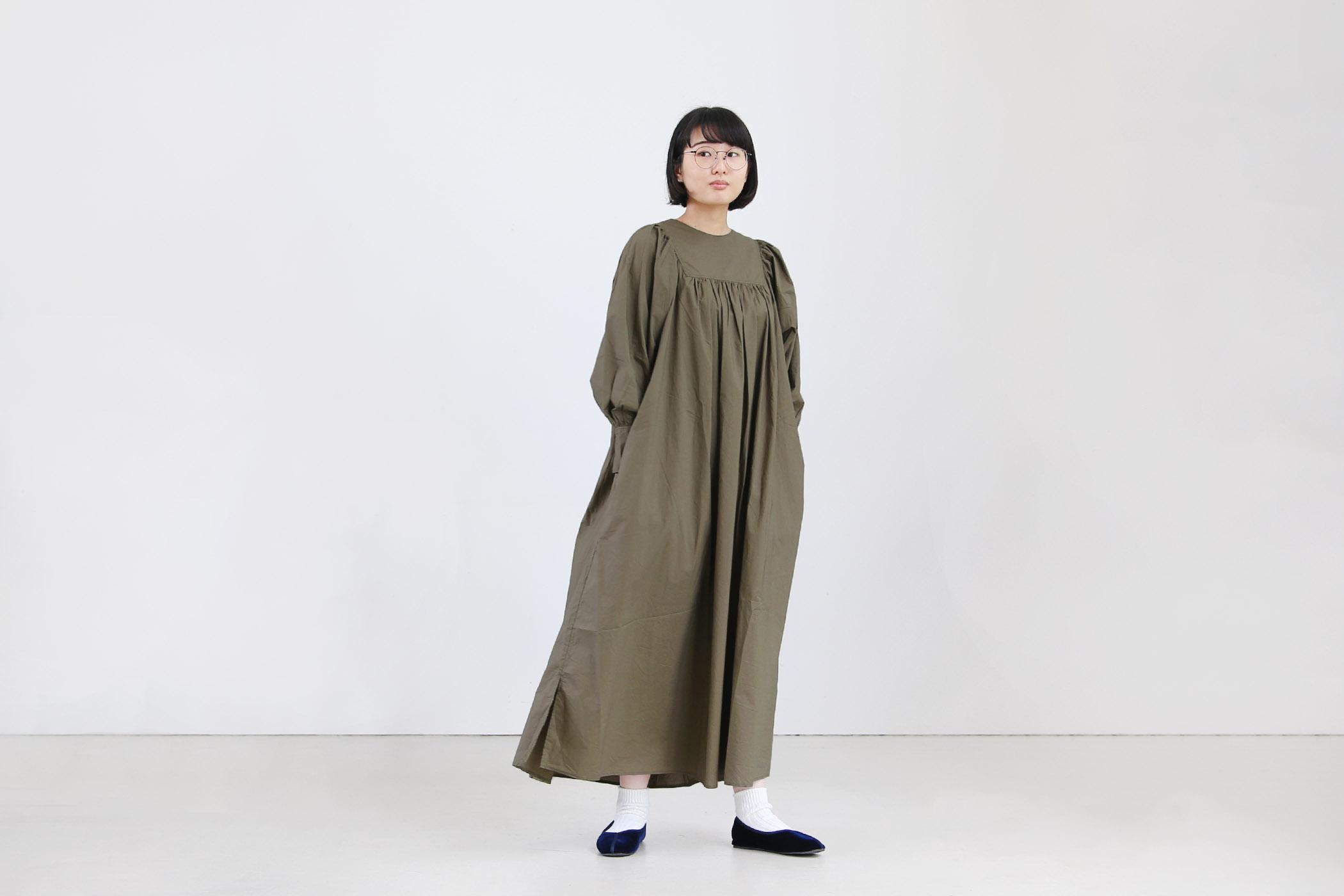 ナチュラルタイプライター クラシックギャザーワンピース【全3色】
